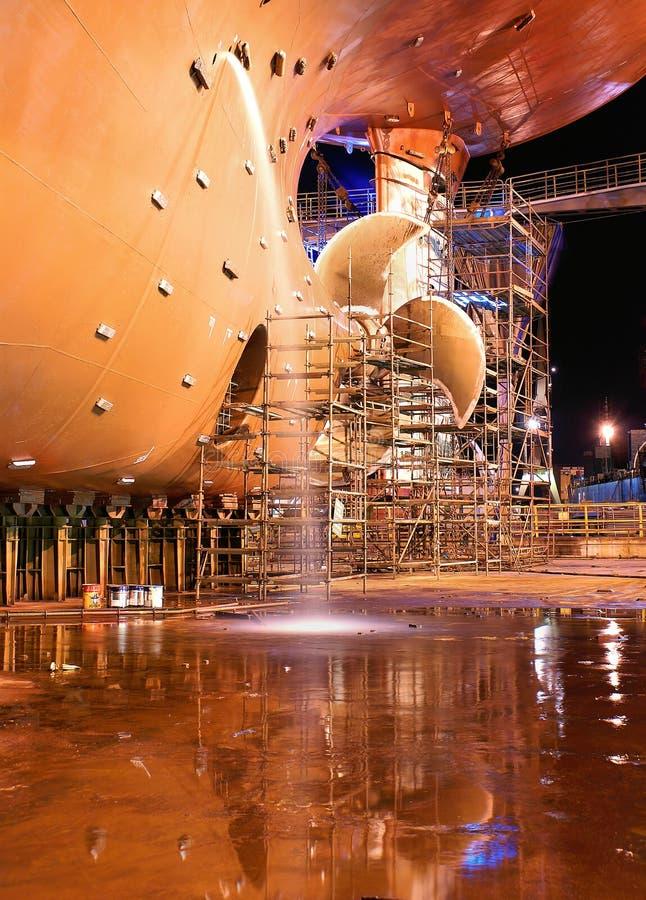 Ship på skeppsvarven för reparationer arkivbilder