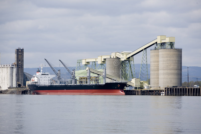Download Shipping grain stock image. Image of commerce, warf, laden - 5347351