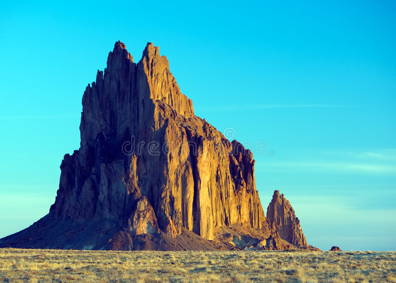 shiprock горы Мексики новое стоковое изображение rf