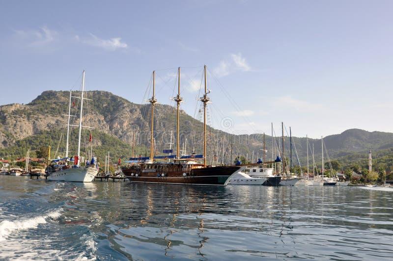 Download Ships i marina fotografering för bildbyråer. Bild av vatten - 27281443