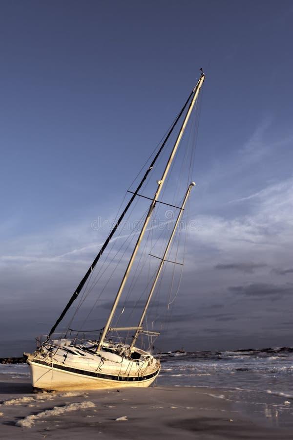 shipwrecked парусник стоковые фотографии rf
