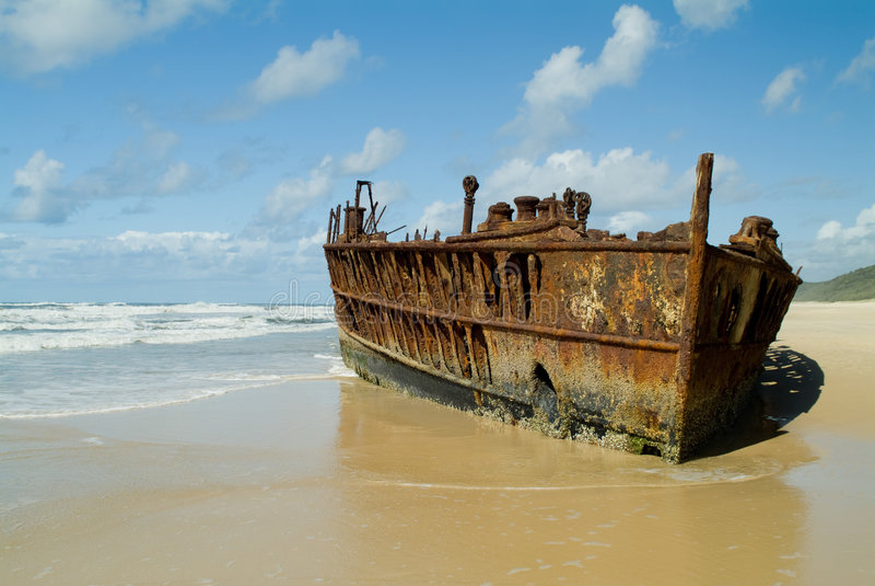 shipwrecked пляж стоковое фото rf