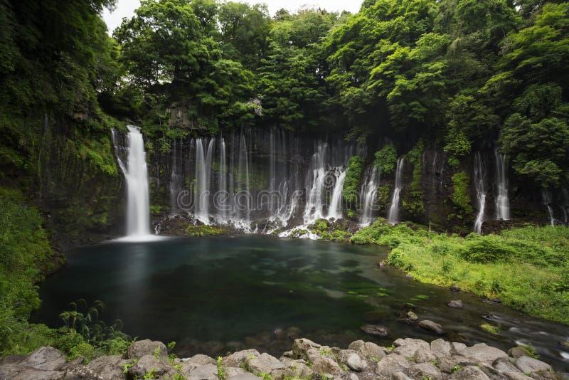 Shiraito瀑布在富士宫,在Mt富士附近的日本 免版税库存图片