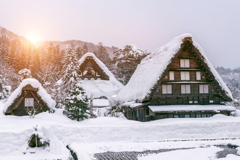 Shirakawa-går byn i vinter, UNESCOvärldsarv, Japan royaltyfria foton