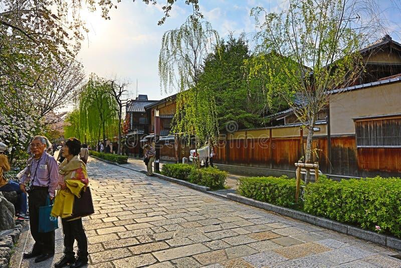 Shirakawa-minami Dori i Kyoto, Japan arkivfoto