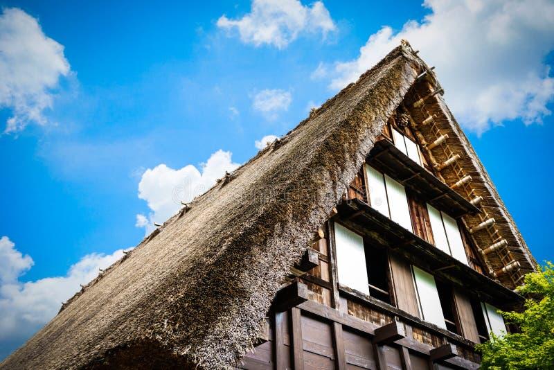 Shirakawa-vont, les petits villages historiques traditionnels photos stock