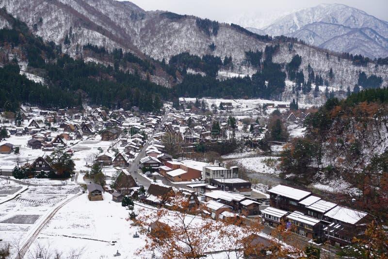 Shirakawago by, en av UNESCOS platser för ordarv arkivbild