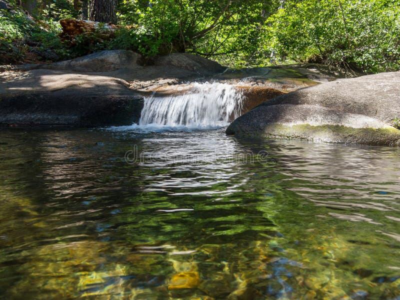 Shirley Creek en Sierra Nevada imagen de archivo libre de regalías