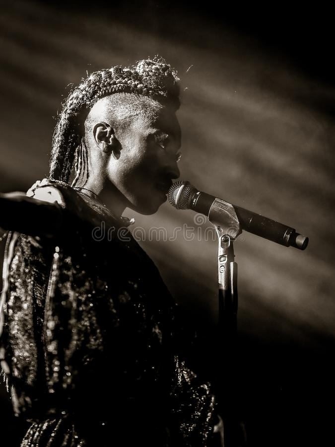 Shirley Klarisse Yonavive Edwards-levend zingen royalty-vrije stock fotografie