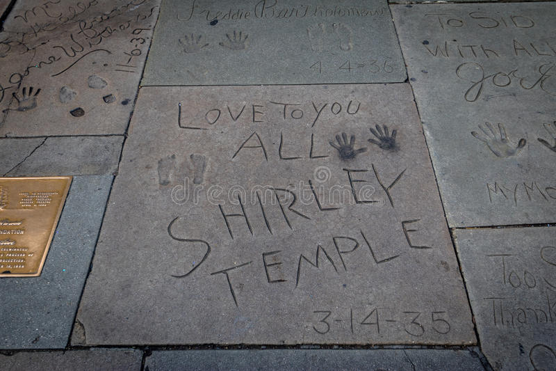 Shirley Temple-handprints in Hollywood Boulevard vor chinesischem Theater - Los Angeles Kalifornien, USA stockbilder