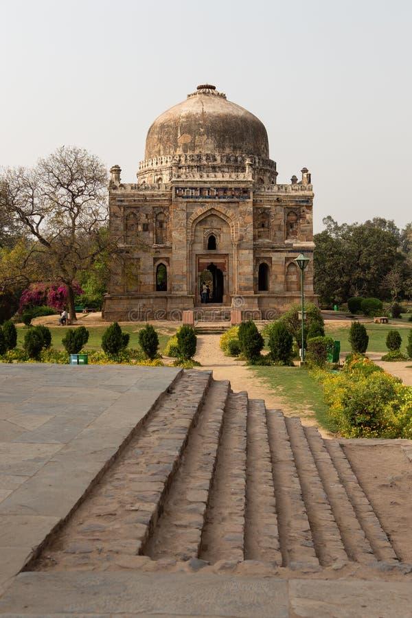 Shish Gumbad在Lodhi庭院给圆顶上釉 图库摄影