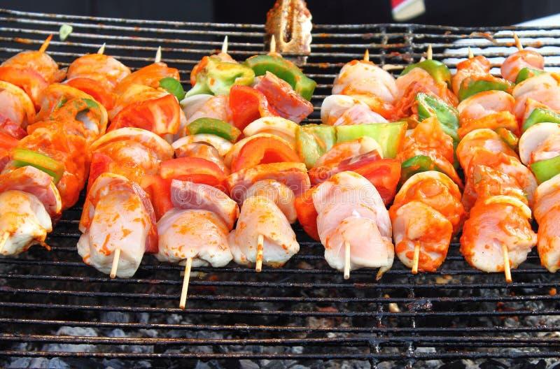Shish kebab auf Aufsteckspindeln stockfotografie