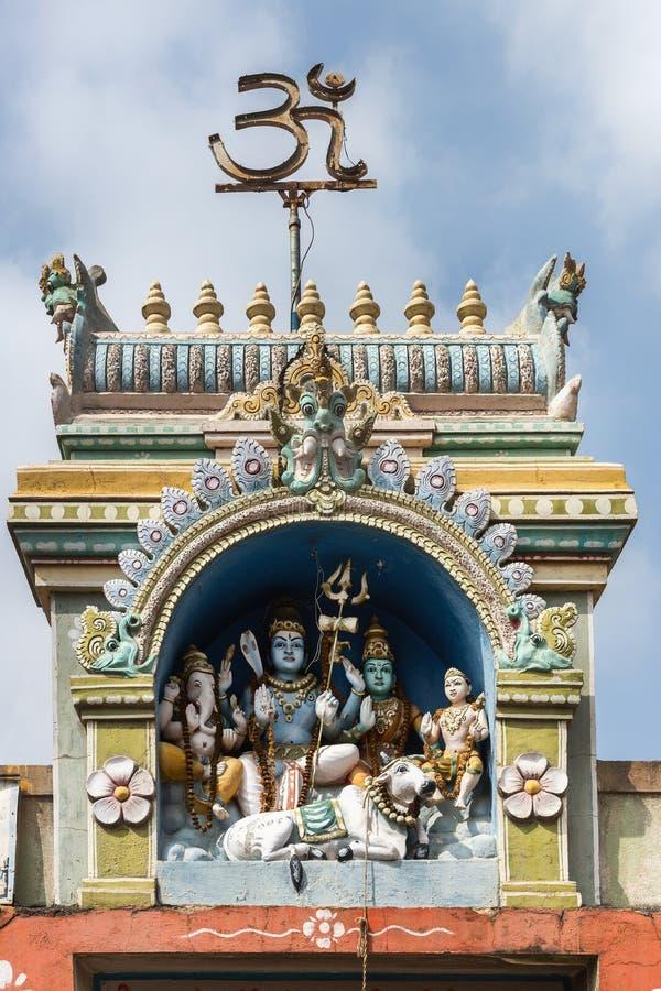 Shiva-Familienstatue bei Sri Naheshwara in Bengaluru. lizenzfreies stockfoto
