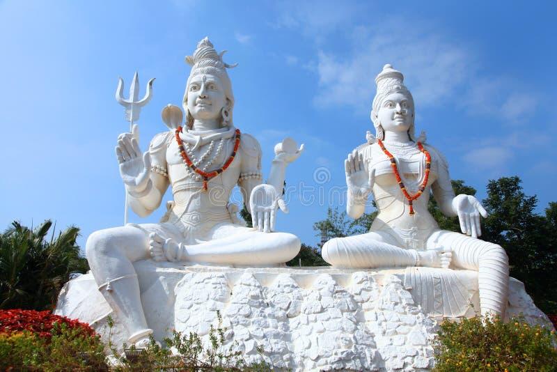 Shiva Parvathi statyer royaltyfria bilder