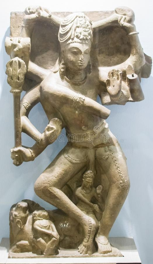 Shiva Sculpture India estando fotos de stock