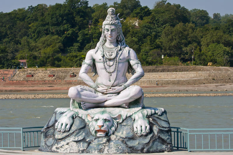 Shiva Statue in Rishikesh, Indien stockbild