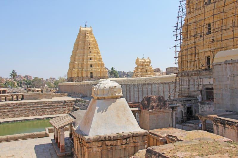 Shiva Virupaksha Temple Hampi, Karnataka, Indien Weißes gelbes r lizenzfreies stockbild