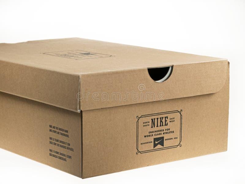 Shoebox com logotipo de Nike nele. fotografia de stock royalty free