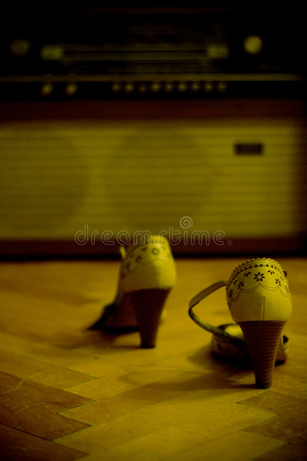 Free Shoes And An Old Radio Stock Images - 3196144