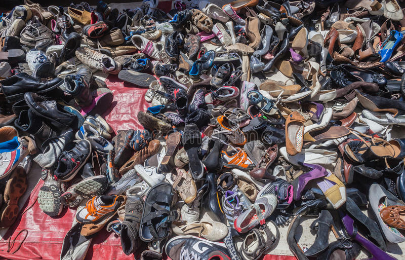 Download Shoes Second Hand Vendor Editorial Photo - Image: 29613021