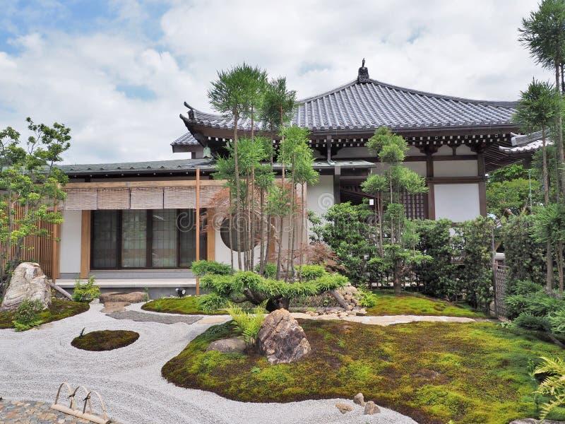 Shoinzaal en Japanse tuin bij hase-Deratempel stock foto