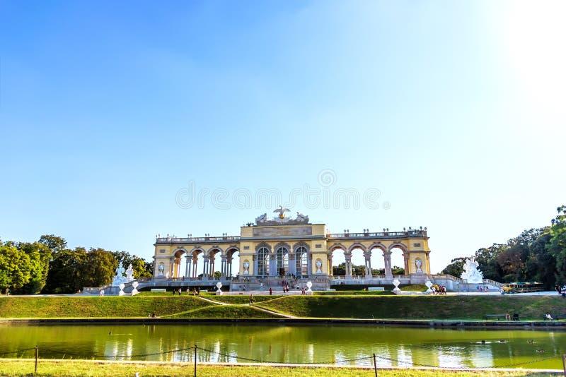 Shonbrunn Gloriette στο διάσημο πάρκο της Βιέννης, Αυστρία στοκ φωτογραφία με δικαίωμα ελεύθερης χρήσης