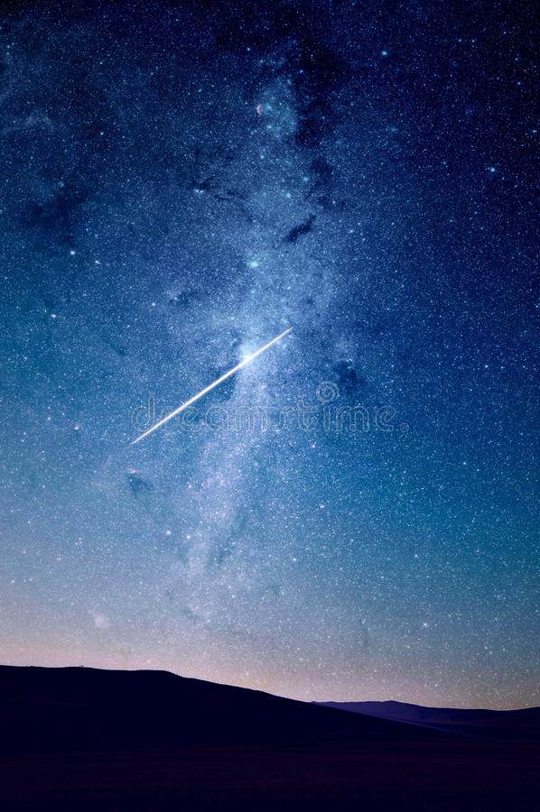 Shooting Star In Night Sky Free Public Domain Cc0 Image