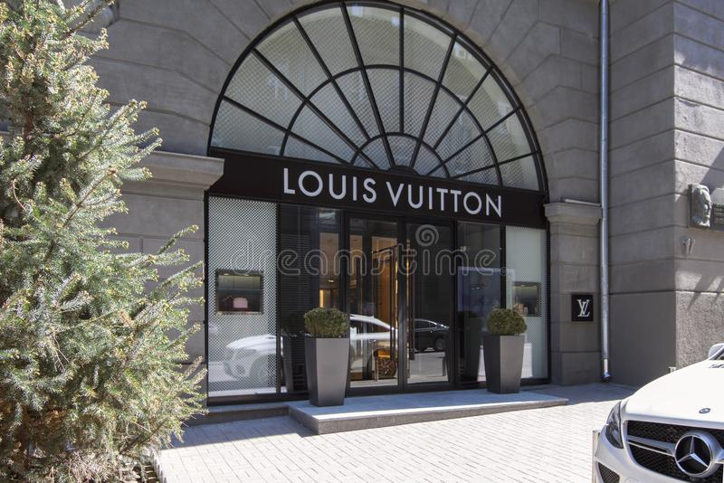 Shop, brand, showcase, entrance, clothing, fashion, fashion, brand, brand, logo, style, luxury, editorial image, mannequin, buildi stock images