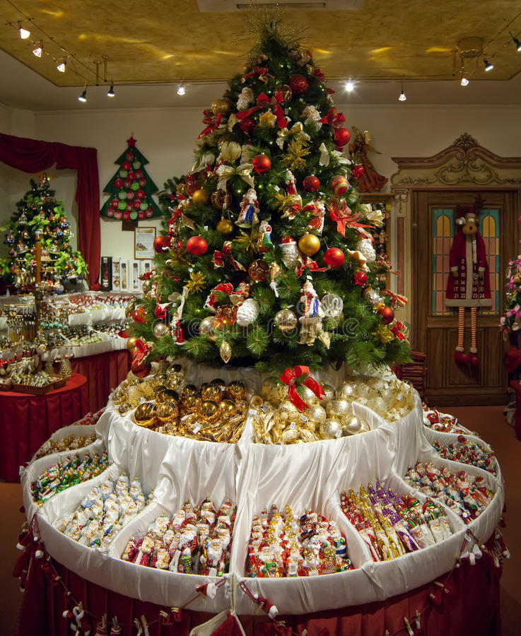 Shop with christmas decorations stock image image 46244467 for Salon xmas decorations