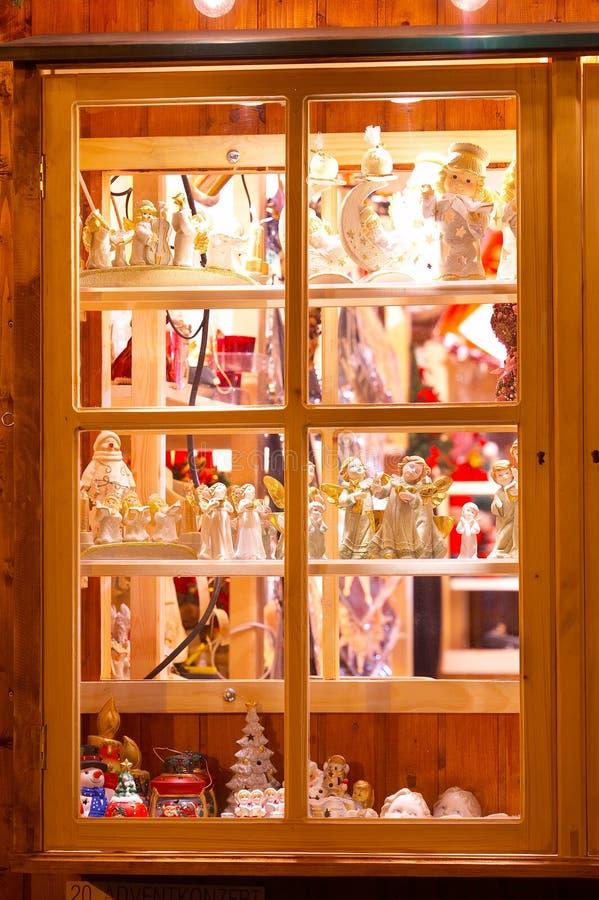 Shop window with christmas decoration - Fenster mit weihnachtlicher Dekoration royalty free stock photos