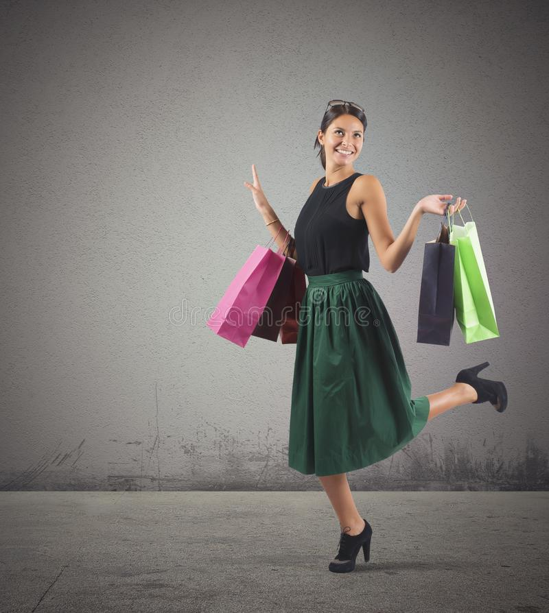 shopaholic γυναίκα στοκ εικόνα με δικαίωμα ελεύθερης χρήσης