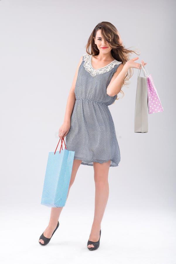 Shopaholic heureux photo libre de droits