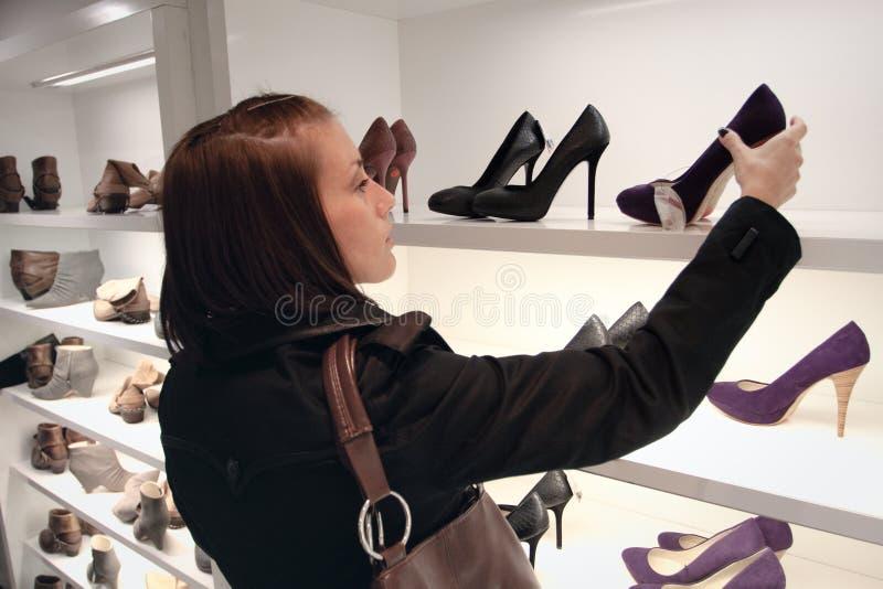 shoping的鞋店 库存照片