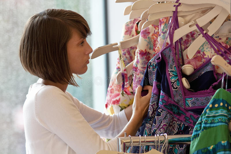Shoping - mémoire de vêtement images libres de droits