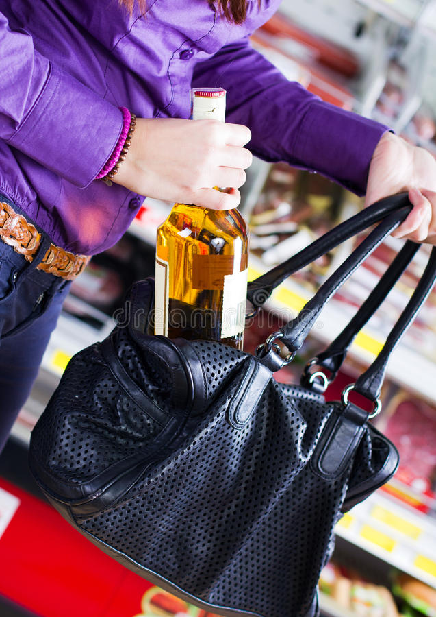 shoplifting стоковое изображение rf