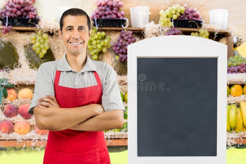 Shopman au fruit images libres de droits