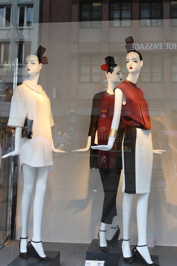 shoppa fönstret arkivbilder