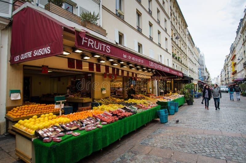 Shoppa i den Rue Cler grannskapen royaltyfri fotografi