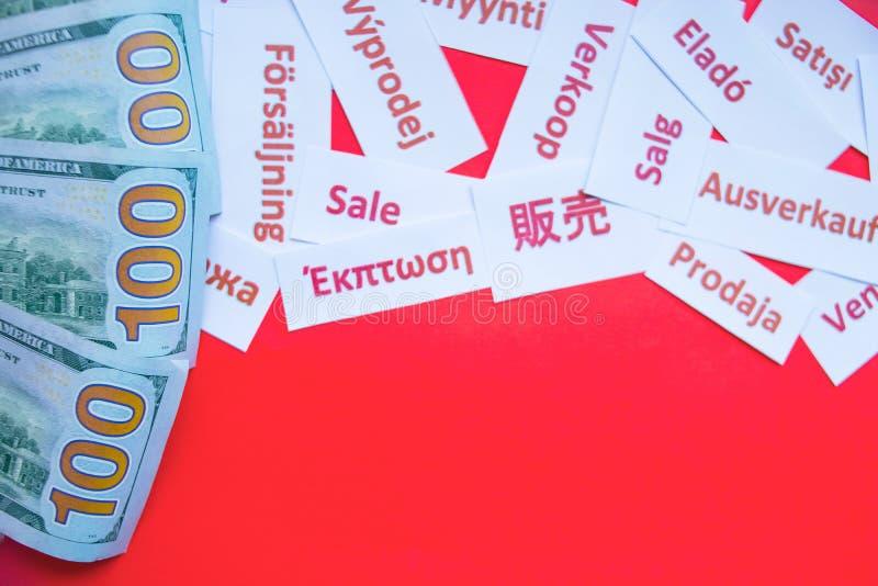Shoppa med dollar reklamfilm, marknadsföring och annonseringbegrepp Svart fredag försäljningsbegrepp kopiera avstånd Sale affisch arkivbild