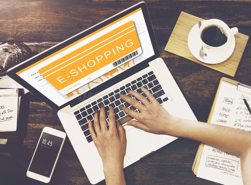 Shoppa online-begrepp för beställningsköpköpande arkivfoto