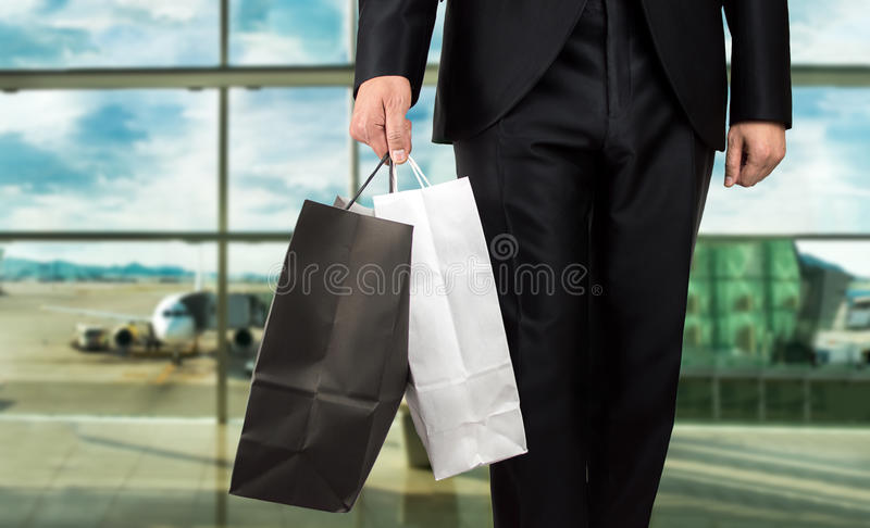 Shoppa på flygplatsen royaltyfri fotografi