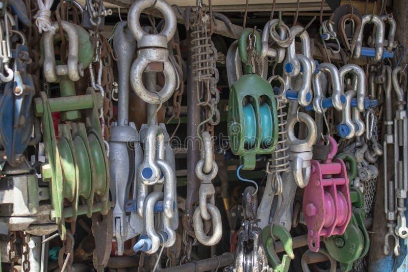 Shoppa var repet, kroken, släprepet, rullen, kedja säljs royaltyfri bild