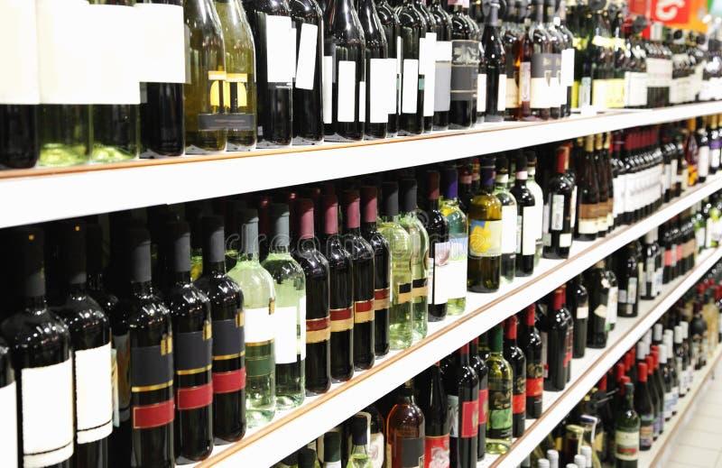 shoppa wine royaltyfri foto