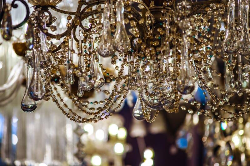 Shoppar crystal lyster för tappning i antikt fotografering för bildbyråer
