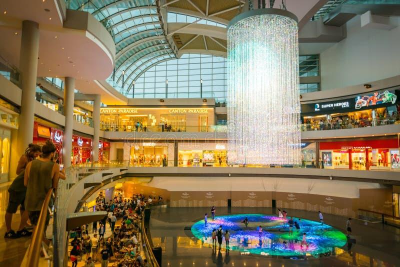 Shoppes in Marina Bay Sands in Singapore stock afbeeldingen