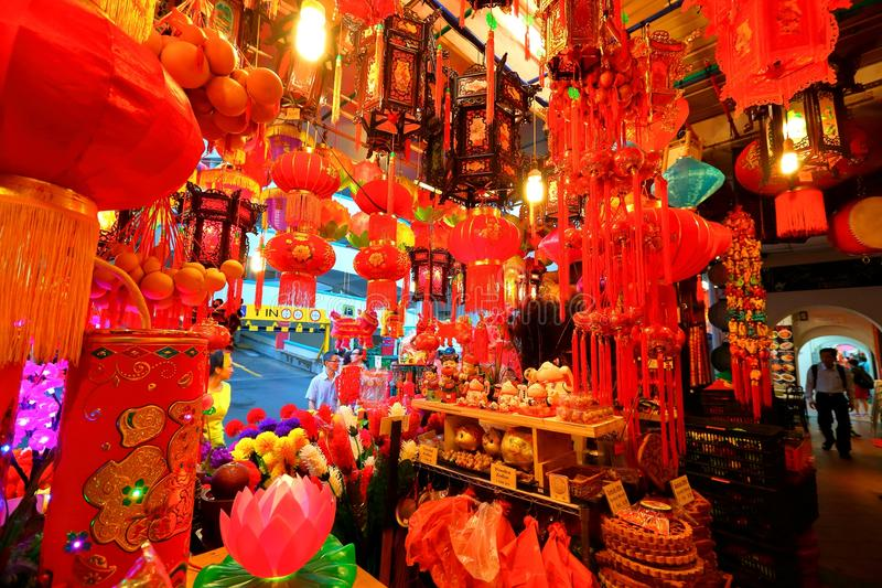 Shoppin lunar chinês do ano novo de Singapore Chinatown foto de stock royalty free