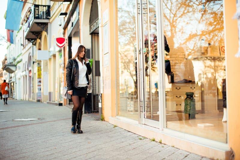 Shopping är den bästa terapin royaltyfria foton
