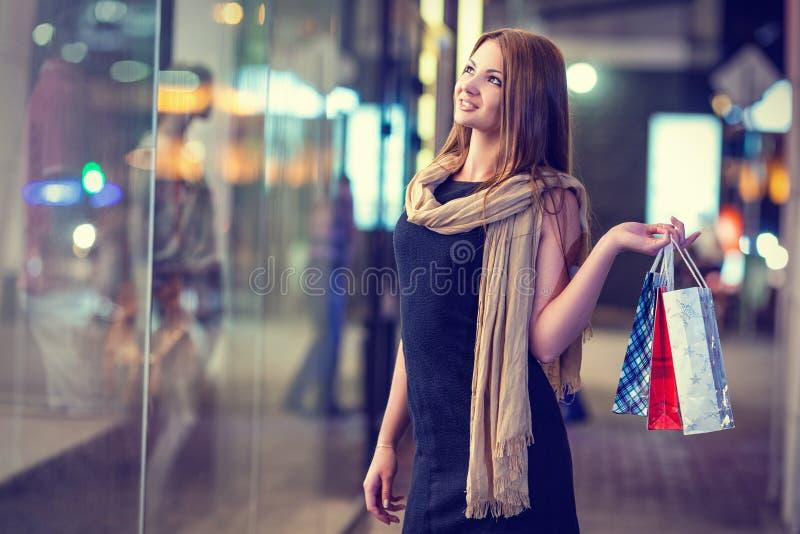 Shopping arkivfoton
