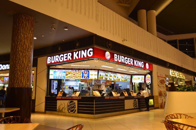 Shopping Burger King Restaurant de Istambul Maltepe Carrefour fotografia de stock