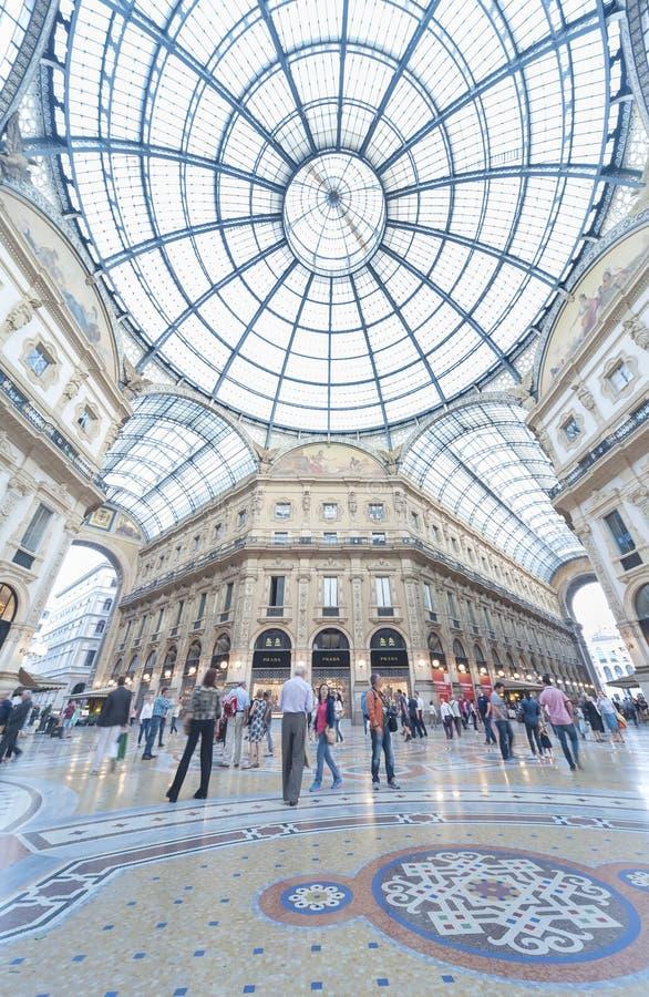 Shopping em Milão, Itália foto de stock royalty free
